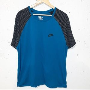 Nike Athletic Cut Blue with Patterned Shoulders Mens Tee Size XL